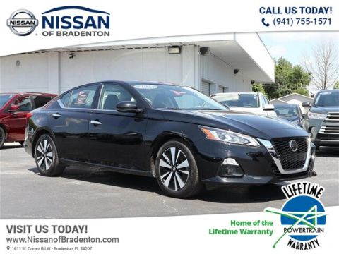 Pre-Owned 2020 Nissan Altima 2.5 SL With Navigation