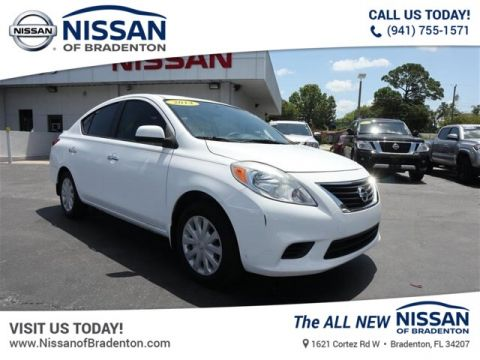 Pre-Owned 2014 Nissan Versa 1.6 SV