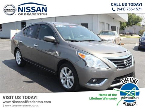 Pre-Owned 2017 Nissan Versa 1.6 SL With Navigation