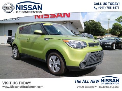 Pre Owned 2014 Kia Soul Base FWD Hatchback